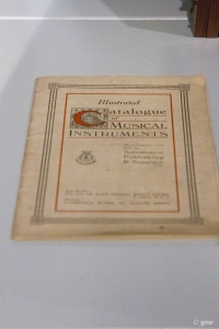 Salvation Army Musical Instruments Instruction Book 救世軍の楽器取扱説明書