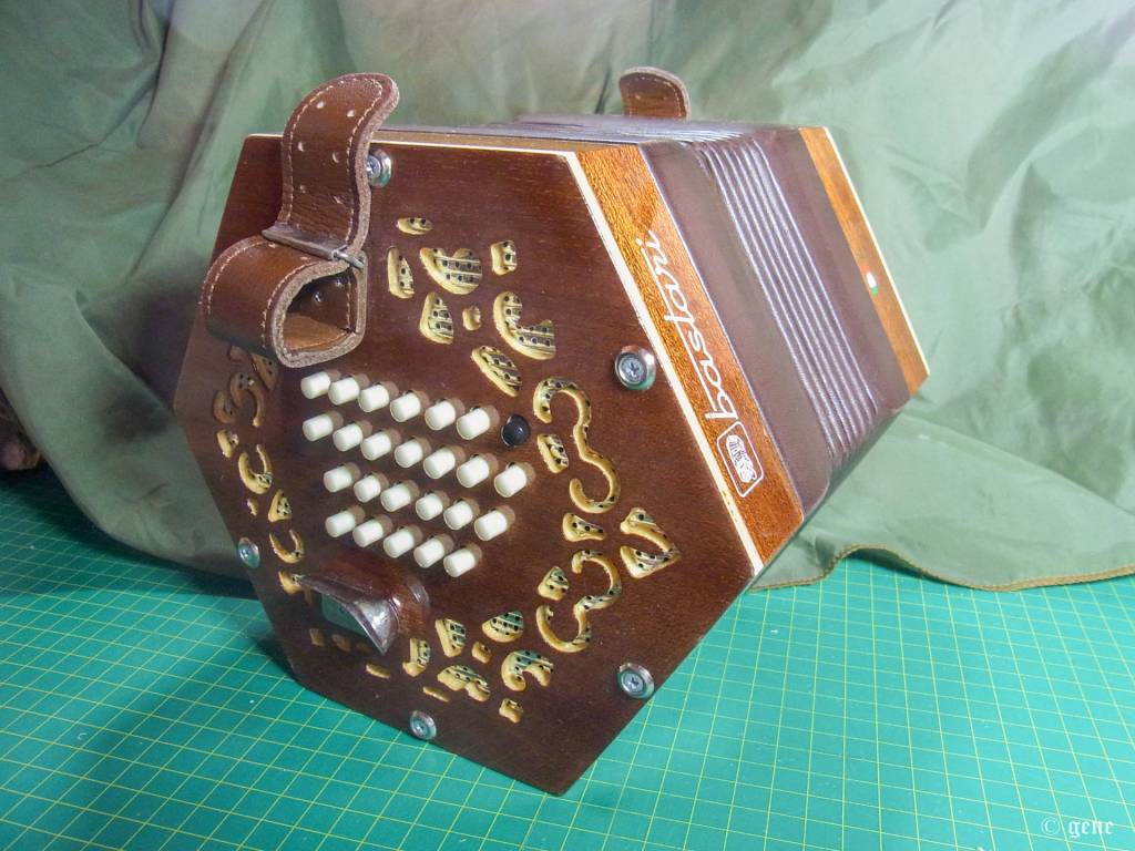 Bastari / Stagi 48ボタン イングリッシュ・コンサーティーナ Tenor;テナー 右手側